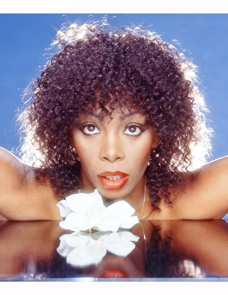 donna-summer-poses-for-a-photo-in-the-mid-1980s-in-los-angeles-california-3-harry-langdon