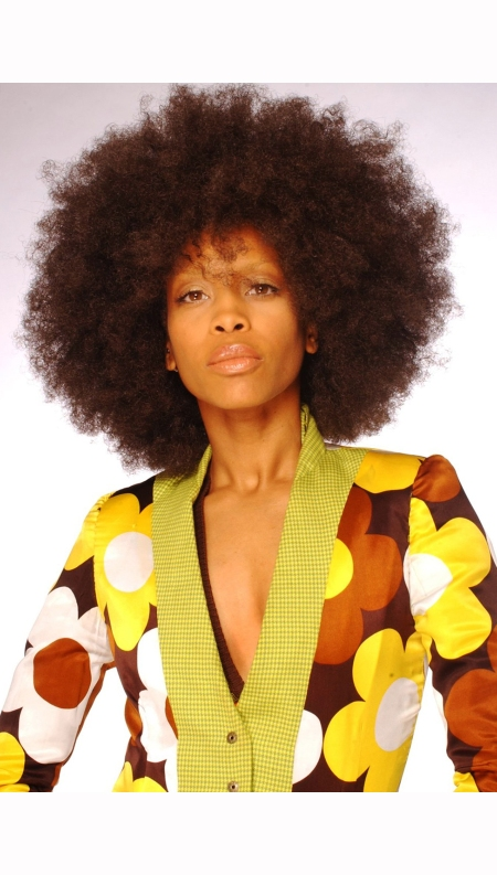 erykah-badu-poses-for-a-portrait-fashion-session-on-july-6th-2003-in-los-angeles-california-harry-langdon