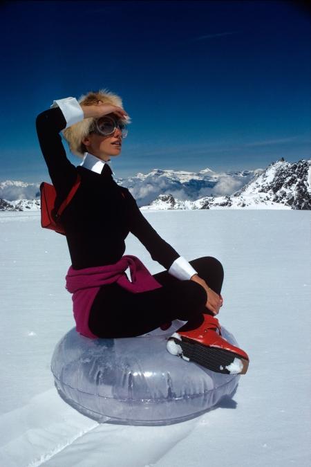 marisa-berenson-a-top-glacier-vogue-october-1968-arnaud-de-rosnay