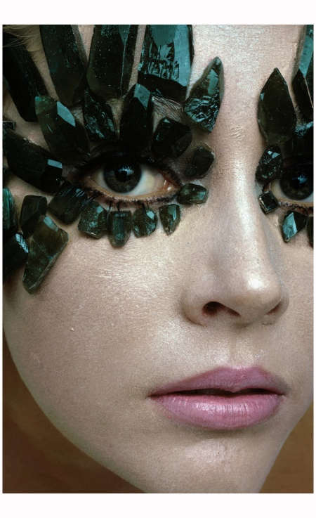 model-wearing-linde-created-emeralds-eye-ornaments-by-union-carbide-the-design-was-created-by-giorgio-santangelo-1968-gianni-penati