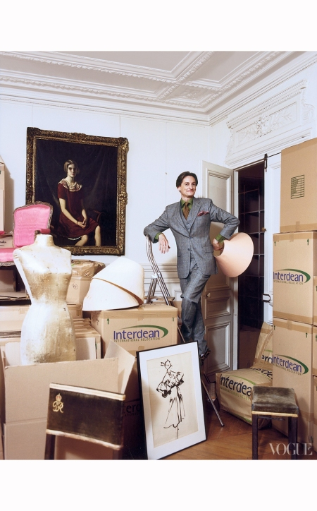 parting-ways-with-his-parisian-home-in-2008-left-vogue-international-editor-at-large-hamish-bowles-with-treasures-aplenty-francois-halard