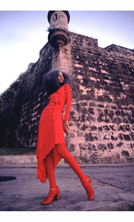 pat-cleveland-in-red-two-piece-matte-jersey-skirt-with-wrap-top-and-matching-red-stockings-and-shoes-selected-by-diana-vreeland-san-juan-puerto-rico-1972-charles-tracy