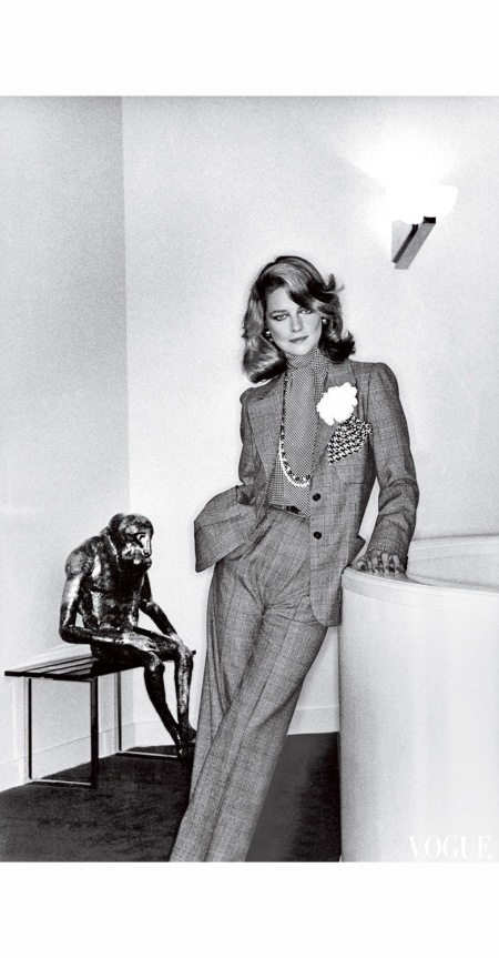 charlotte-rampling-helmut-newton-vogue-january-1974