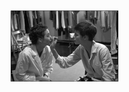 From left to right: models Christy TURLINGTON and Linda EVANGELISTA.