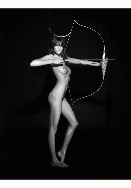 daria-werbowy-for-pirelli-calendar-2011-by-karl-lagerfeld-as-diana-the-huntress