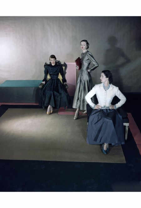 dovima-three-models-sept-1947