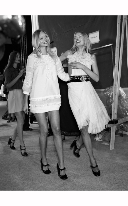 gemma-ward-and-lily-donaldson-walk-backstage-in-hannah-macgibbons-1970s-inspired-designs-at-the-springsummer-2007-runway-show-chloe-robert-fairer