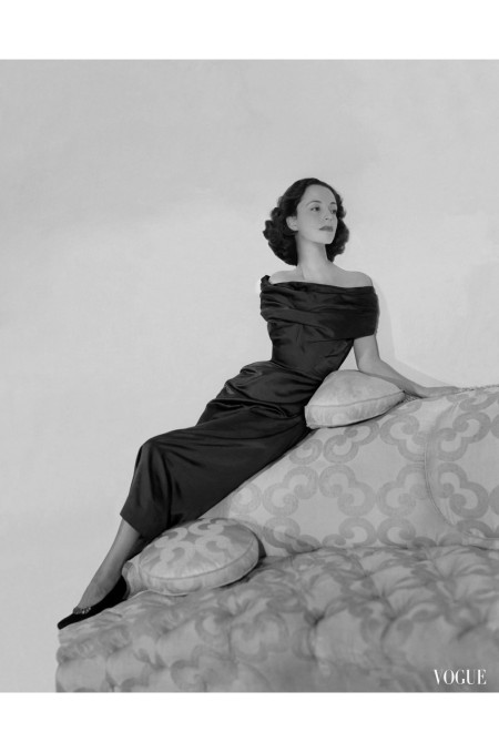 gloria-guinness-princess-ahmed-fakhry-wearing-an-off-the-shoulder-dress-by-schiaparelli-horst-p-horst-vogue-january-1949-horst-p-horst-vogue-january-1949