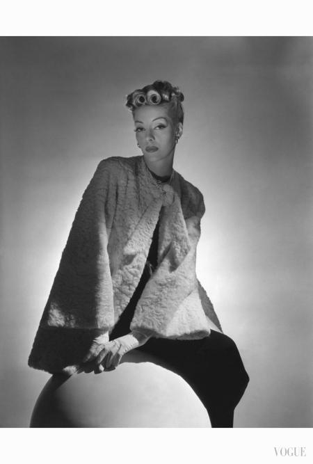 helen-bennett-wearing-white-karakul-coat-over-black-dress-pearls-and-suede-gloves-hair-by-emile-of-fifty-sixth-street-horst-p-horst-vogue-november-1938