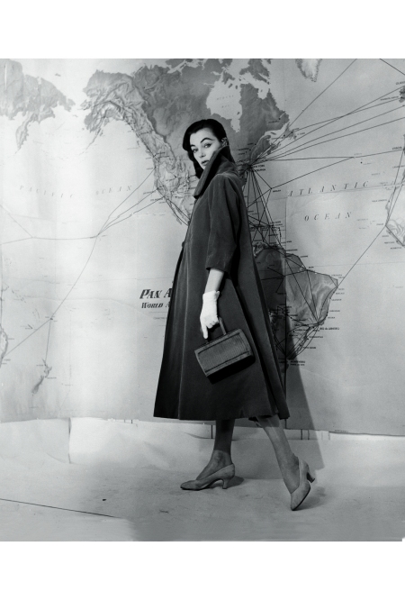 ivy-nicholson-in-coat-by-fabiani-1955-pasquale-de-antonis