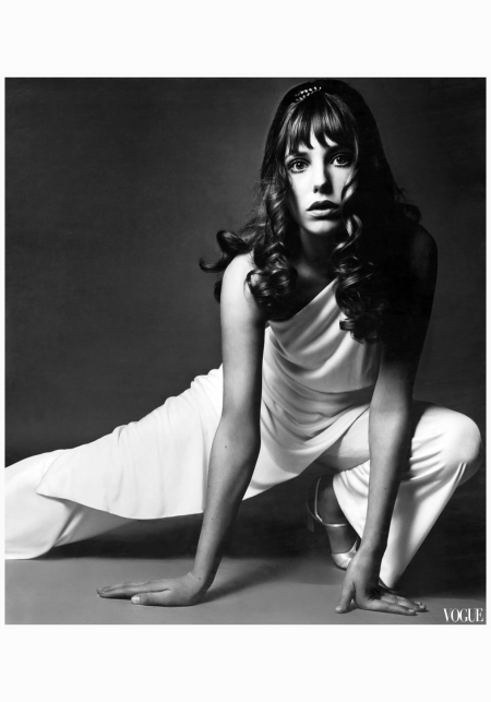 jane-birkin-vogue-1969-chloe-guy-bourdin