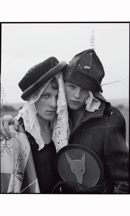 jean-campbell-alice-wheeler-tyler-cowan-james-fleury-sam-marriot-jack-northwick-ryan-skelton-harry-smith-john-william-watson-brandon-have-fun-vogue-italia-november-2016-tim-walker1