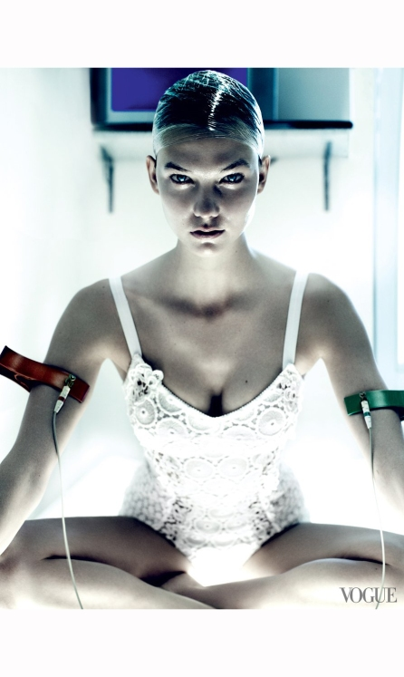karlie-kloss-vogue%22destination-detox%22-phyllis-posnick-july-2013-mario-testino-d