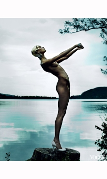 karlie-kloss-vogue%22destination-detox%22-phyllis-posnick-july-2013-mario-testino-g