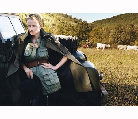 lara-stone-mario-testino-fashiontography-4