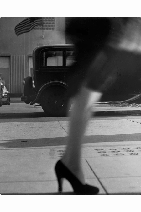 lisette-model-e28093-running-legs-new-york-1941