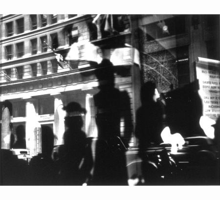 lisette-model-reflections-rockefeller-center-new-york-c-1945