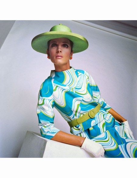 mirella-petteni-in-silk-print-two-piece-by-mila-schon-photo-by-johnny-moncada-linea-italia-1967
