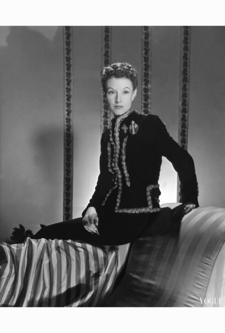 mrs-ronald-balcom-aka-millicent-rogers-wearing-black-velvet-schiaparelli-dinner-suit-with-metallic-braid-edging-and-fleury-cross-diamond-and-coral-brooches-horst-p-horst-vogue-january-1939-2