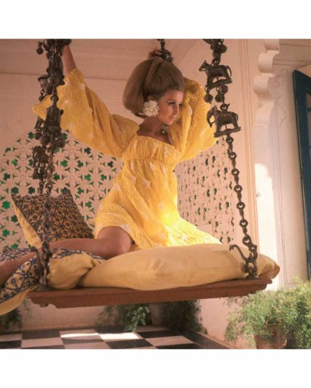 samantha-jones-in-jag-nivas-an-island-palace-in-the-rajasthan-region-of-india-wearing-yellow-high-waisted-dress-of-yellow-indian-cotton-by-rudi-gernreich-vogue-1967-henry-clarke