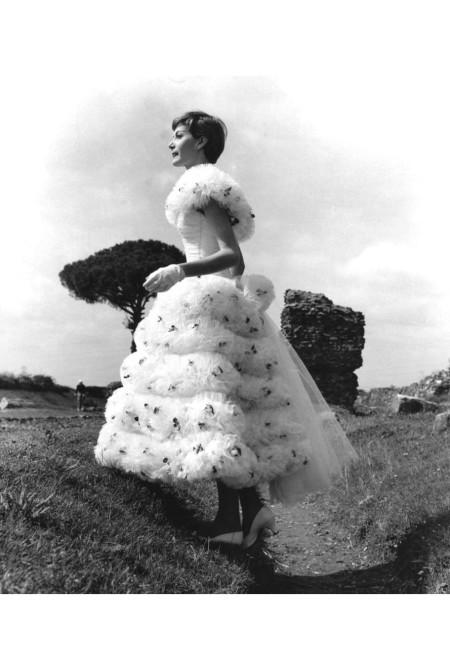 sculptress-maria-grazia-mariani-appia-antica-1955-pasquale-de-antonis