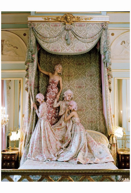 sigrid-agren-patricia-van-der-vliet-josephine-skriver-and-mirte-maas-valentino-tim-walker-vogue-april-2012