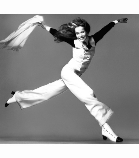 veruschka-suit-by-antony-arland-new-york-march-9-1972-richard-avedon