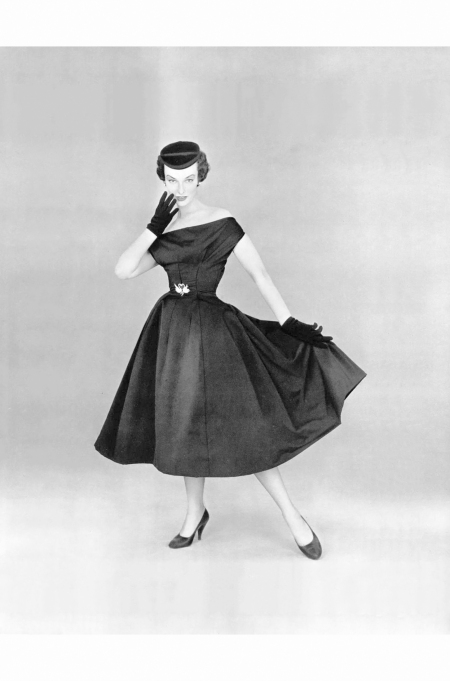 victoria-von-hagen-in-black-satin-party-dress-worn-with-small-velvet-cap-by-christian-dior-lofficiel-1953-philippe-pottier