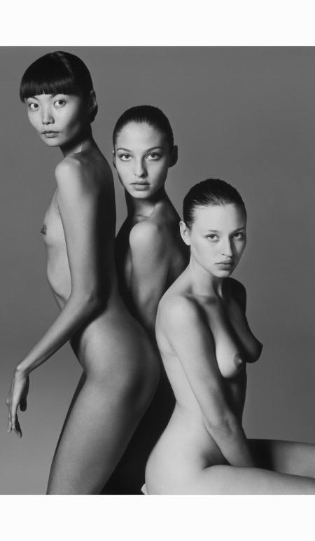 irina-pantaeva-christina-semyonovskaya-tatyana-zavyalov-pirelli-calendar-1997-richard-avedon-copia