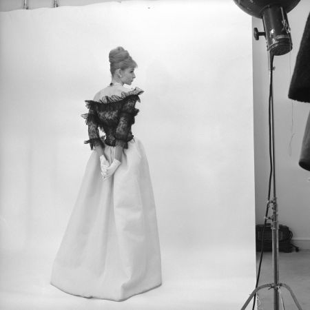 Evening dres Cristóbal Balenciaga Paris 1962 © Cecil Beaton studio 1971