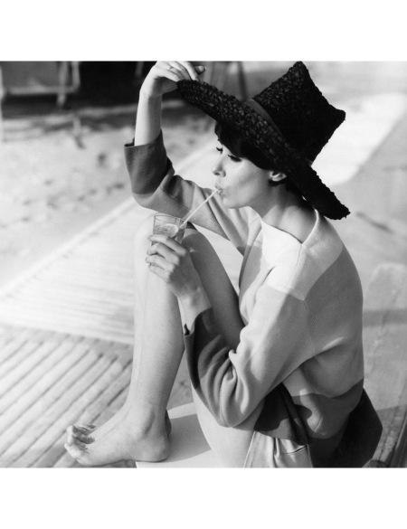Bar du Soleil Maggi Eckardt Vogue, July 1961 © Henry Clarke