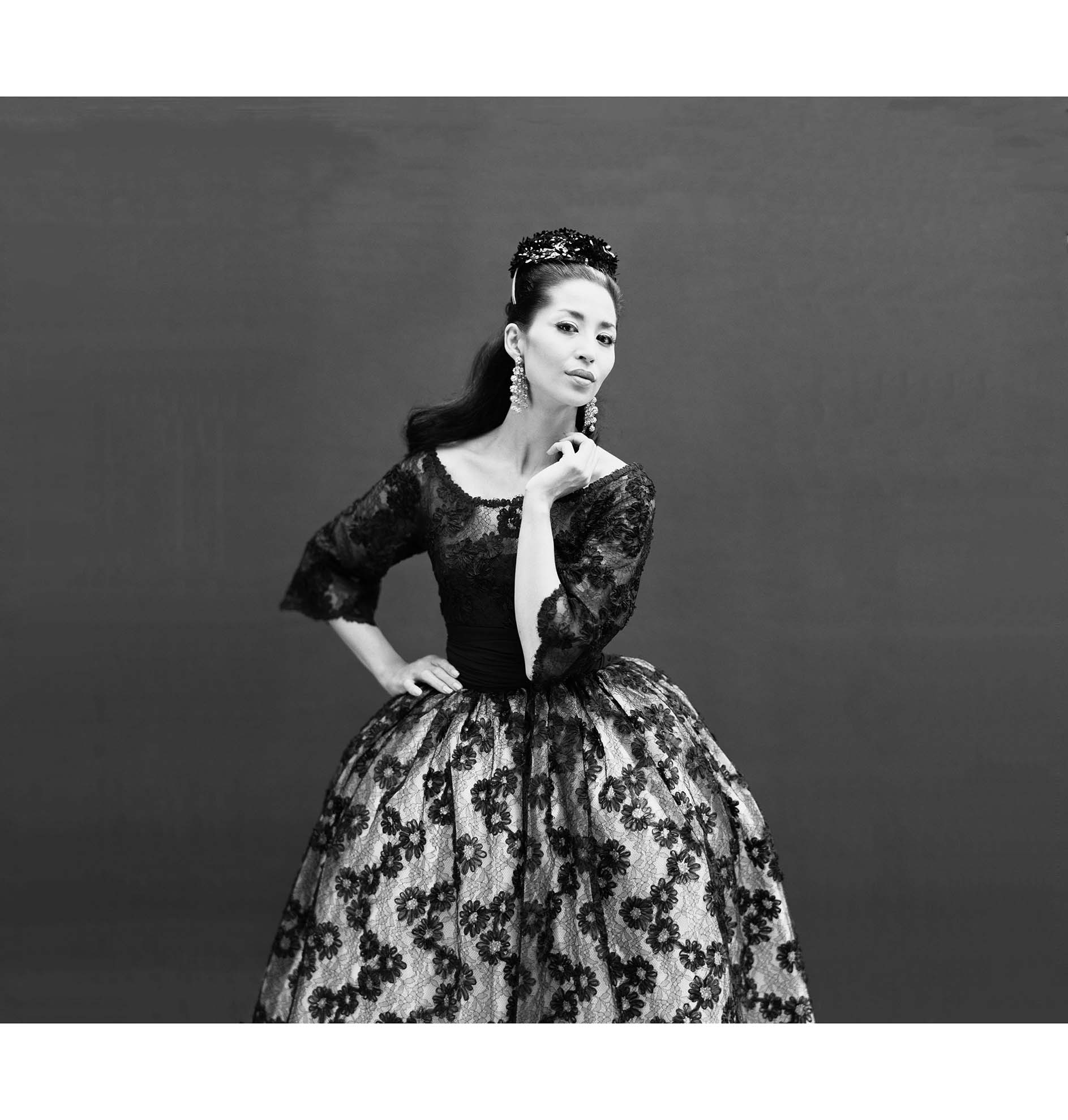 Jacques griffe pleasurephoto china machado in lace evening gown by jacques griffe1959 richard avedon publicscrutiny Choice Image