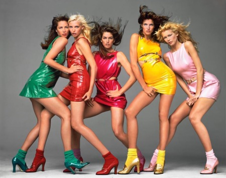 Christy Turlington Nadja Auermann Cyndy Crawford Stephanie Seymour Claudia Schiffer - Gianni Versace 1994 copia