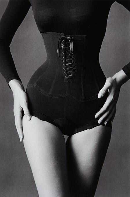 Corset, New York 1962 © Jeanloup Sieff