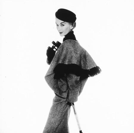 Fashion Photograph (Vogue Cover), New York, (Lisa Fonssagrives-Penn) 1951 copia