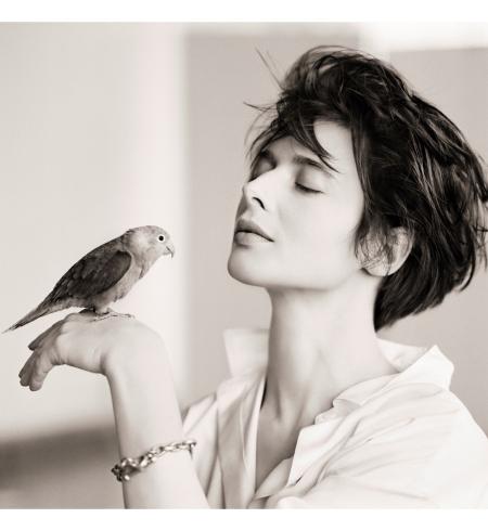 Isabella Rossellini, Bird, New York, 1988 © Matthew Rolston