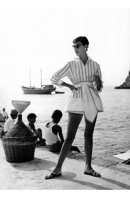 Joan Whelan in beachwear by Bessie Becker Ischia Italy © Regina Relang