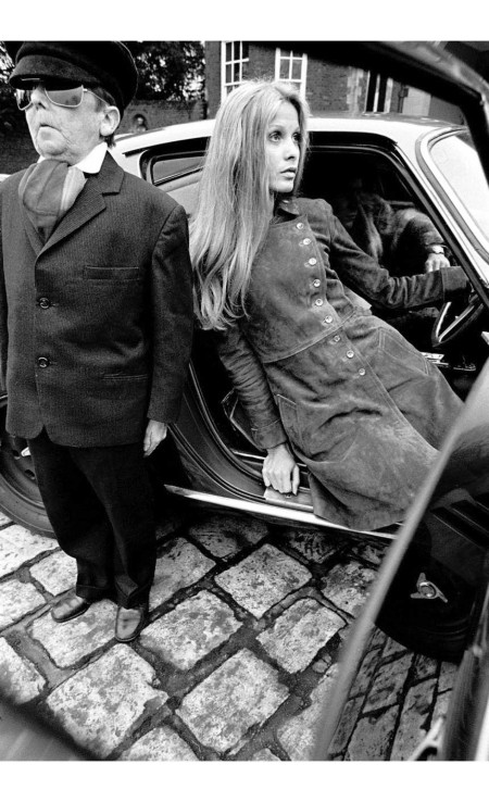 Joanna Lumley in suede coat by Jean Muir, Willy:Midget 1, 1968 © Jim Lee