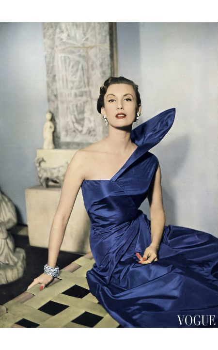Mary Jane Russell wearing an elegant Rémond Holland silk taffeta dinner dress with kite line bodice from Couturier Design Pattern no.555 Vogue Feb 1955 © Clifford Coffin