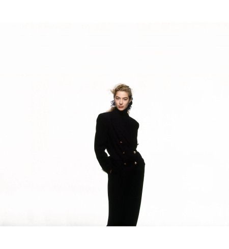 Model Elaine Irwin earing Ralph Lauren's wool crepe double-breasted blue blazer and matching pants Vogue 1989 © Patrick Demarchelier
