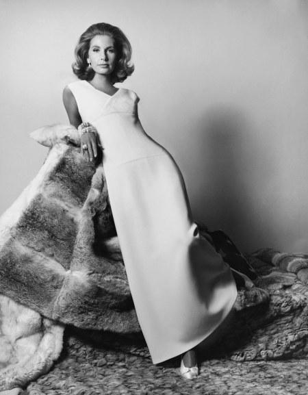 Mrs. Alfred Gwynne Vanderbilt Vogue, November 1964 © Horst P. Horst