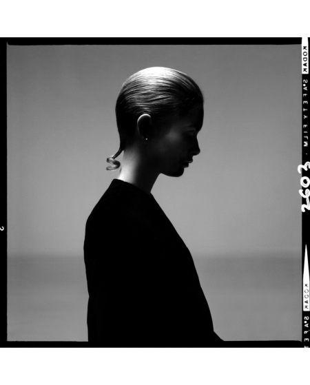Twiggy, earring by Trifari, hair by Ara Gallant, New York, April 3, 1967