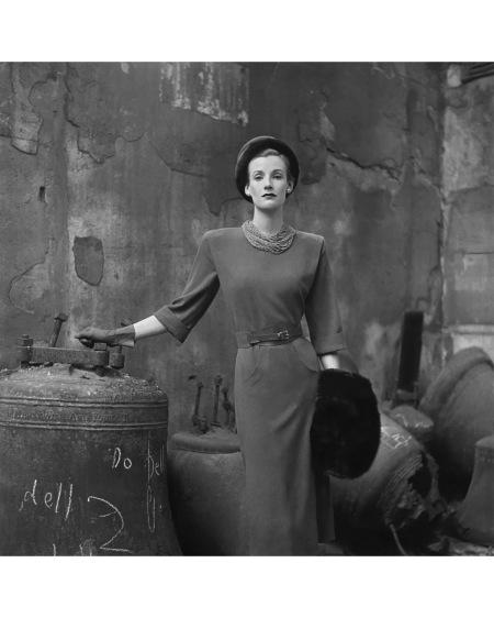 Wenda Parkinson Vogue October 1947 © Clifford Coffin copia