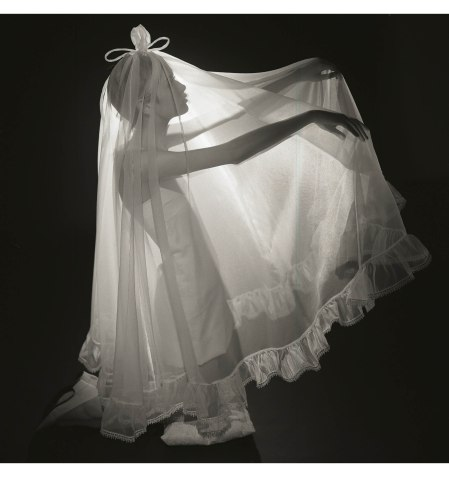 White Weddings (Twiggy), British Vogue, February 1967 © Norman Parkinson