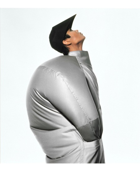 1987 SS-Balloon Coat © Irving Penn