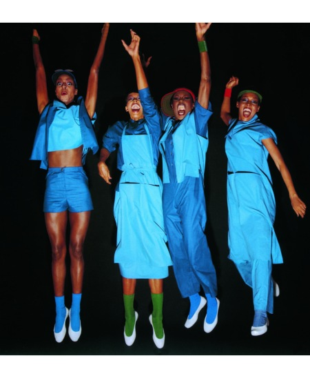 Hocho Cut Grace Jones, June Murphy, Barbara Summers, and Karen Wilson wearing the spring:summer 1976 collection. Photo by Tatsuo Masabuchi copia