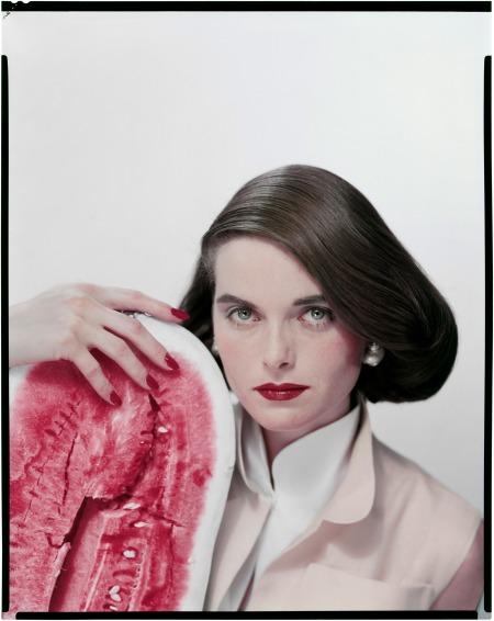 Anne Saint-Marie Variante de la couverture Vogue, June 1951 © Erwin Blumenfeld