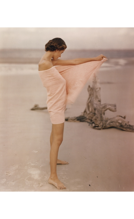 Carol McCallson on the beach, St. Augustine, Florida Vogue Us 1948 © Frances McLaughlin-Gill
