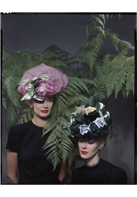 Floral hats from Reine (r) and Lilly Dache (l) 1945 © Erwin Blumenfeld 11