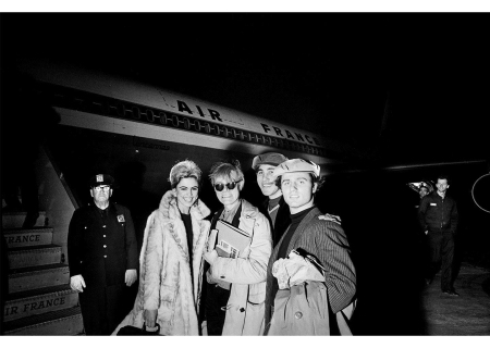 Sedgwick, Warhol, Chuck Wein, and Malanga on their way to Paris, 1965 © David McCabe